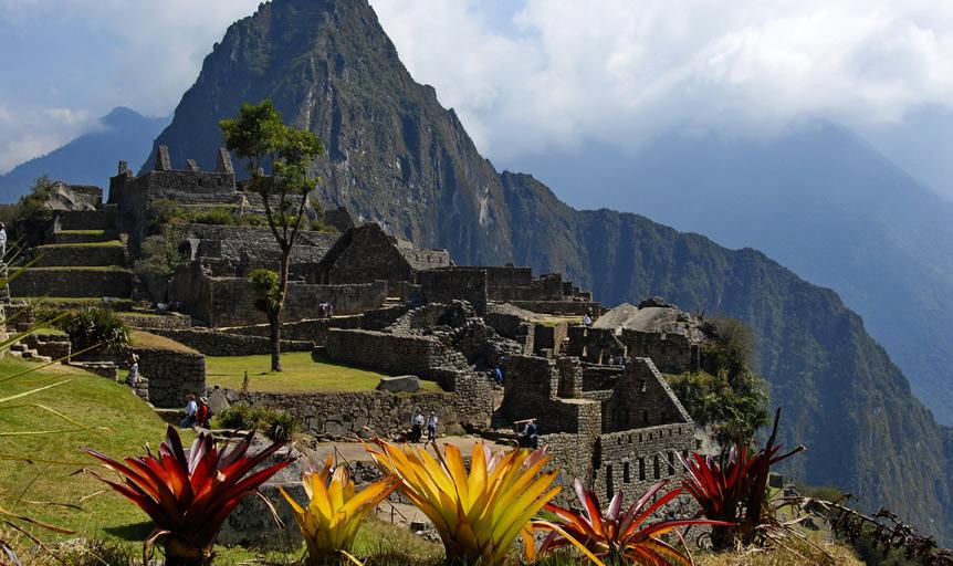 Inca ruin Macchu Picchu Villoldo