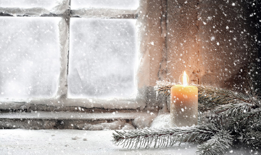 danielle lin candle in snow christmas momento
